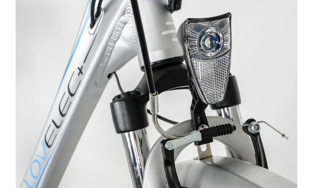 Oświetlenie przednie i tylne zasilane z akumulatora