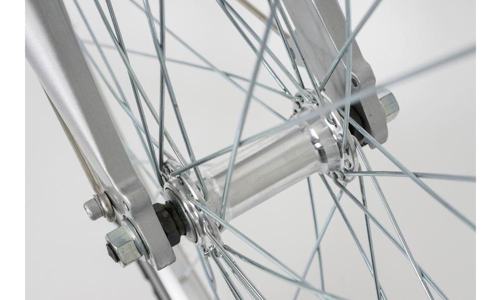 Wzmocnione szprychy  z dwuściennymi obręczami aluminiowymi - dopuszczalna waga 150 Kg